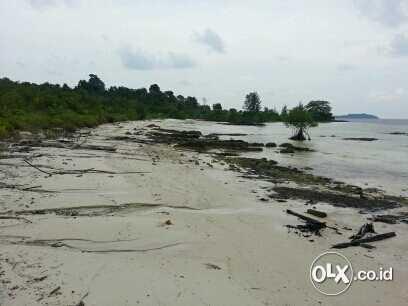 Foto: Tanah Strategis Tepi Pantai Dijembatan 4 Balerang