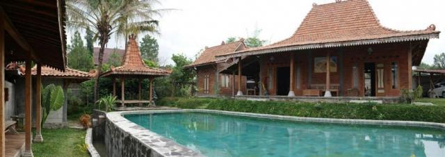 Foto: Rumah Joglo Full Jati Yogya, Pakem Km 17